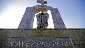 Jest decyzja ws. pomnika Jana Pawła II. Zostanie przeniesiony