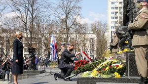 """""""Oni nie mieli prawa do kapitulacji"""". 78. rocznica wybuchu Powstania w..."""