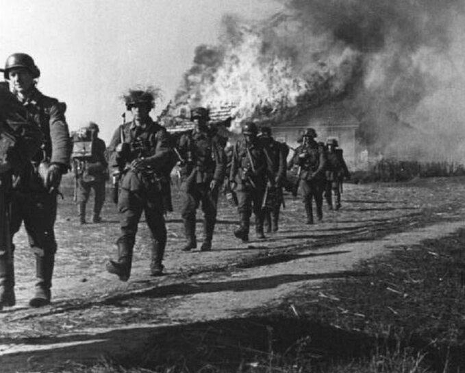 Żołnierze Wehrmachtu nafroncie wschodnim, zdjęcie ilustracyjne.