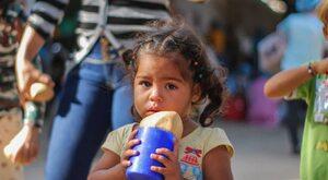 Inflacja przekroczyła 1,7 mln procent. Dzieci nie szczepi się od dwóch...