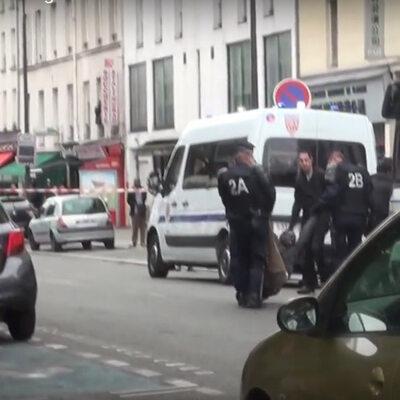 Dramat w Paryżu. Mężczyzna wziął zakładników, chce rozmawiać z ambasadą...