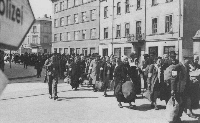 Deportacja Żydów zgetta wKrakowie.Marzec 1943r.