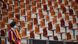 Papież wznawia audiencje generalne z udziałem wiernych