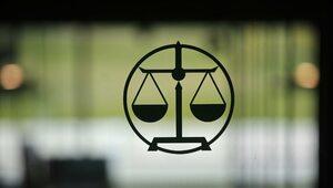 Zaskakująca decyzja niemieckiego sądu. Zakazał noszenia maseczek