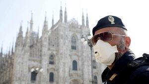 Prawie połowa Włochów ma już przepustkę COVID-19