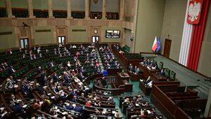 """""""To kompromitacja"""". Sejm: Minimalne zainteresowanie szkoleniami ws...."""