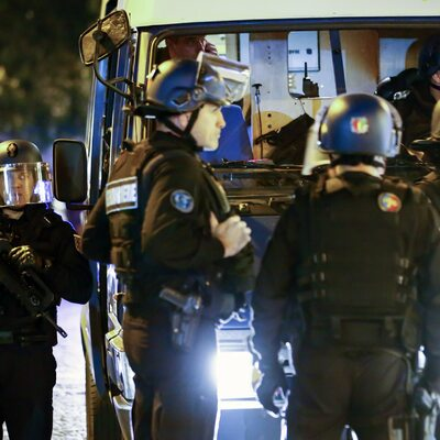 """Nożownik zaatakował w parku pod Paryżem. Miał krzyczeć """"Allah jest wielki"""""""