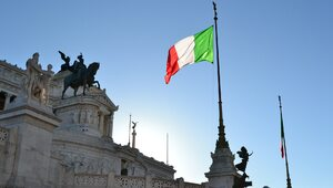 Włochy: Dane wskazują na początek czwartej fali epidemii
