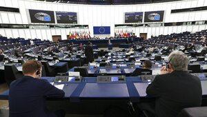 """""""Atak na europejską wspólnotę wartości"""". PE przygotowuje rezolucję..."""