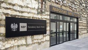 Prognoza NBP: Wzrosną pensje i ceny, bezrobocie będzie spadać