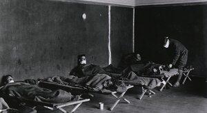 Epidemia zabiła 200 tys. Polaków. Dlaczego kina, teatry i szkoły...