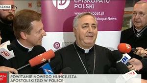 """Nowy nuncjusz apostolski już w Polsce. """"Słuchać, kochać, patrzeć"""""""