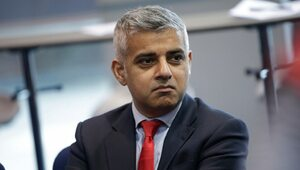 """Burmistrz Londynu atakuje PiS. """" Chcą odebrać władzę Trzaskowskiemu"""""""