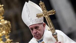 Papież oddaje hołd pracownikom służby zdrowia