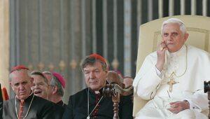 """""""Benedykt XVI zrezygnował z powodu ogromnej presji"""". Przyjaciel papieża..."""