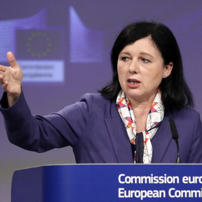 Jourová: Komisja będzie podejmowała wszystkie kroki, które są konieczne