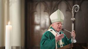 Abp Jędraszewski o homoseksualistach: Zaprzeczają godności własnego...