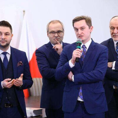 Jaki i Kaleta kontra dziennikarz TVN24. Poszło o wyniki sondażu