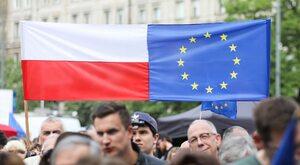 Kto szybciej opuści UE? Grecy, Węgrzy czy Polacy?