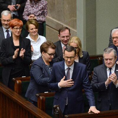 """Głęboka rekonstrukcja rządu jeszcze przed wyborami do PE? """"Prezes PiS..."""