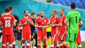 Czy nasi piłkarze powinni klękać przed meczem? Polacy podzieleni