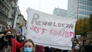 """""""Halo Wszyscy, którzy idziecie na Warszawę"""". Aktywiści szykują się do..."""