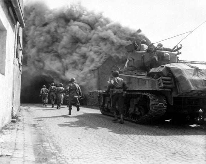 Amerykańscy żołnierze wNiemczech, kwiecień 1945r.