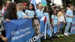 Złe wieści dla KO. Tylko nieco ponad 30 proc. Polaków wierzy w...