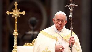 Kłopoty Franciszka? Ofiara twierdzi, że informowała papieża o sprawie...