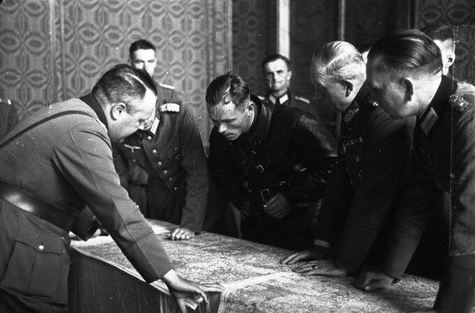 Rozmowy oficerów Wehrmachtu iArmii Czerwonej owytyczeniu bieżącej linii rozgraniczenia wojsk nazaatakowanym terytorium Polski