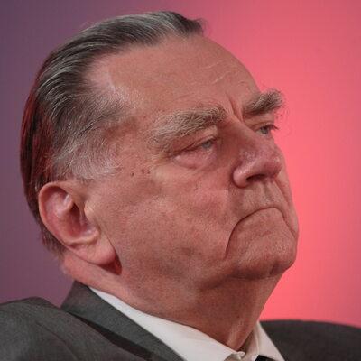 Olszewski: Odwołanie Macierewicza było błędem
