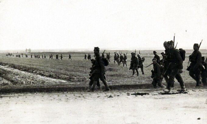 Bitwa Warszawska – piechota polska wtyralierze