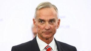 """Morawiecki """"szefem swojego szefa"""". Senator PiS: To może być kłopotliwe"""
