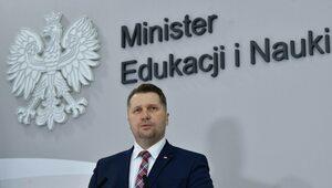 Zawieszony dyrektor z Łodzi otrzymał odznaczenie od ministra Czarnka