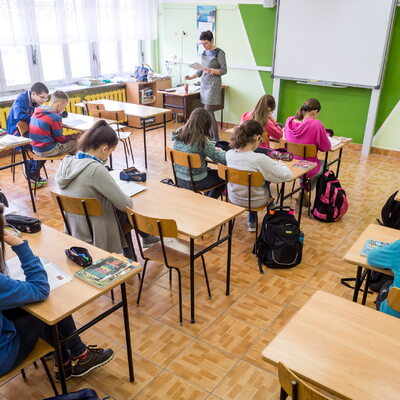 Ile szkół strajkuje? MEN: Mniej niż połowa