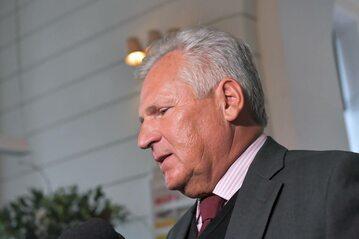 Aleksander Kwaśniewski, b. prezydent