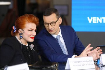 Ambasador USA w Polsce Georgette Mosbacher oraz premier Mateusz Morawiecki.