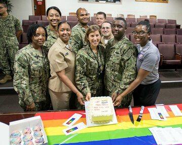 """Amerykańska armia obchodzi """"Miesiąc Dumy LGBT"""""""