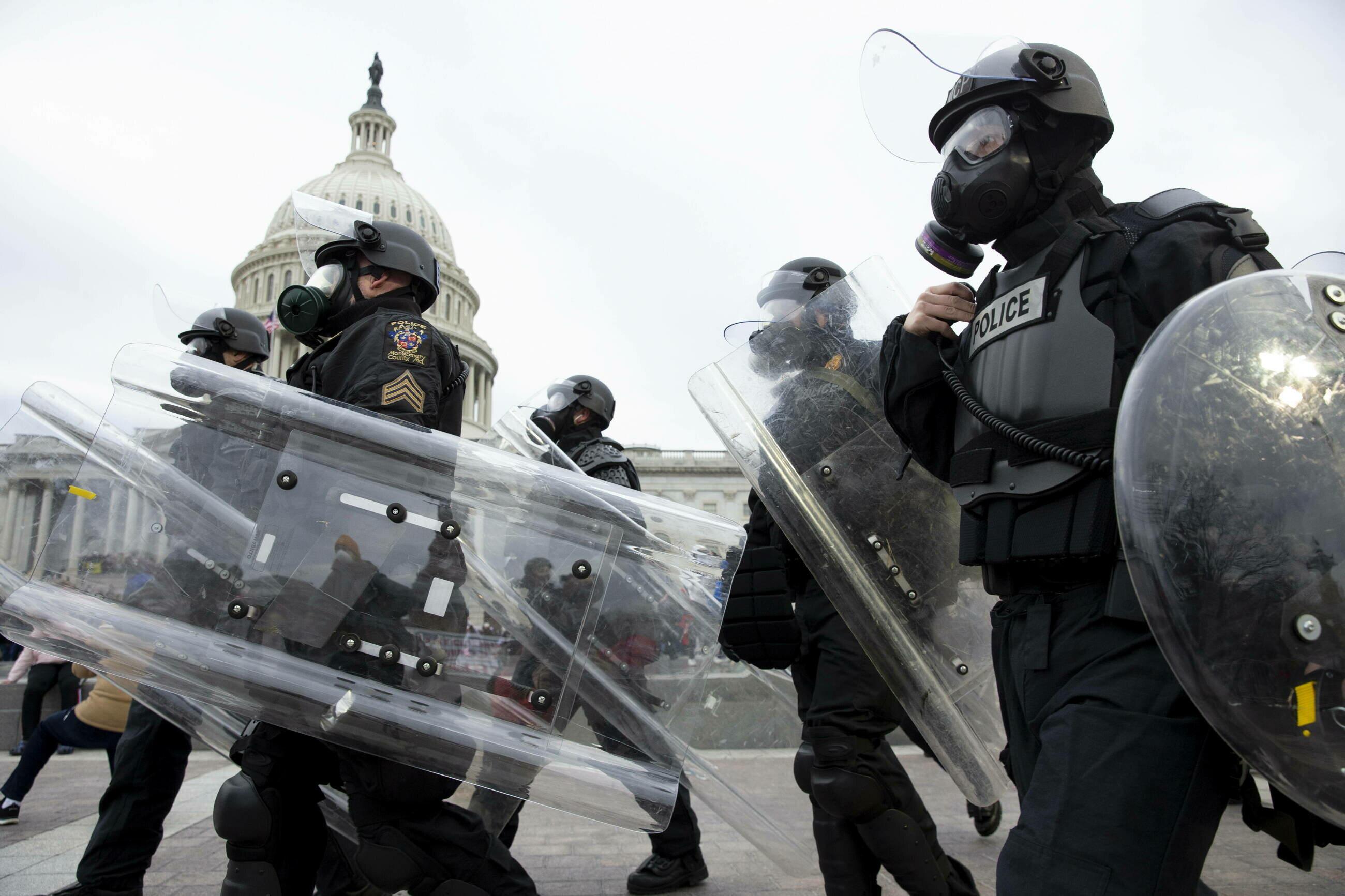 Amerykańska policja pod Kapitolem
