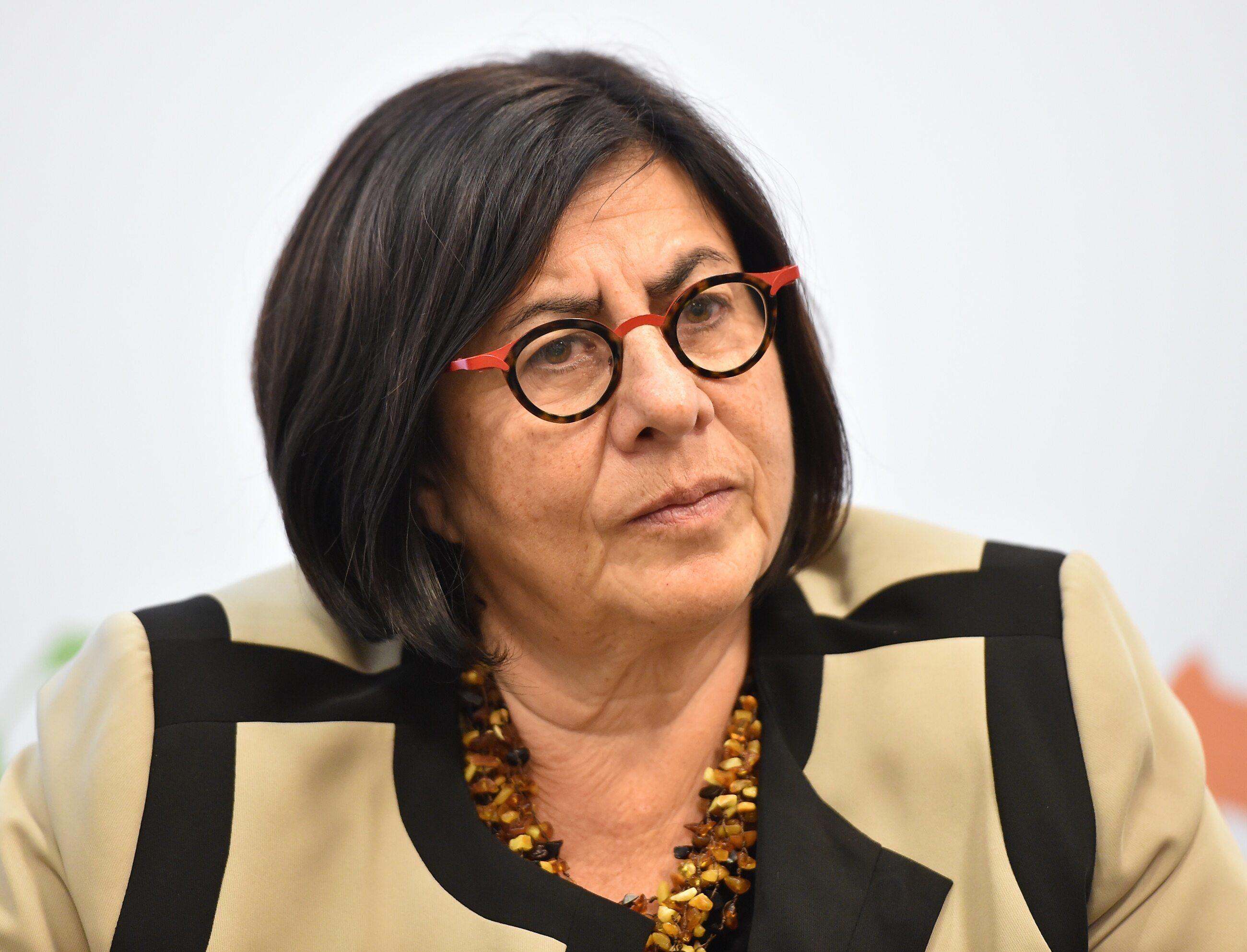 Anna Azari