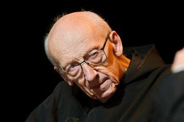 Benedyktyn, ojciec Leon Knabit