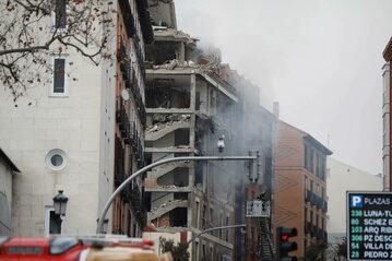 Budynek przy ulicy Toledo w Madrycie zniszczony przez wybuch