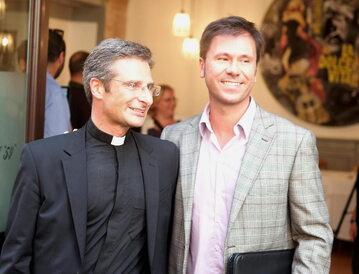 Były ksiądz Krzysztof Charamsa z partnerem katalońskim urzędnikiem Eduardo Planasem