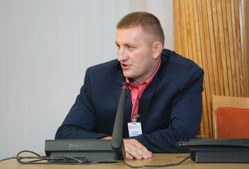 Były urzędnik warszawskiego ratusza, referent spraw Krzysztof Śledziewski zeznaje jako świadek przed komisją weryfikacyjną ds. reprywatyzacji, podczas pierwszej rozprawy komisji
