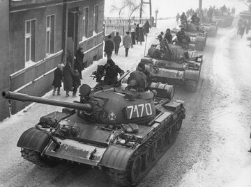 Czołgi T-55 podczas stanu wojennego w Zbąszyniu