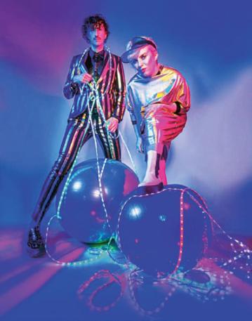 Czwarty album popowo--elektronicznego duetu Plastic ukazał się po przeszło ośmiu latach od wydania poprzedniej płyty.