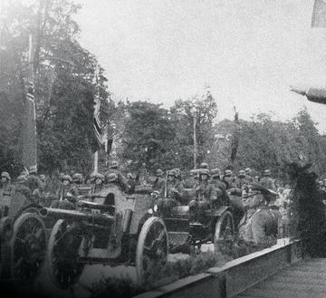 Defilada niemieckich sił zbrojnych w Warszawie
