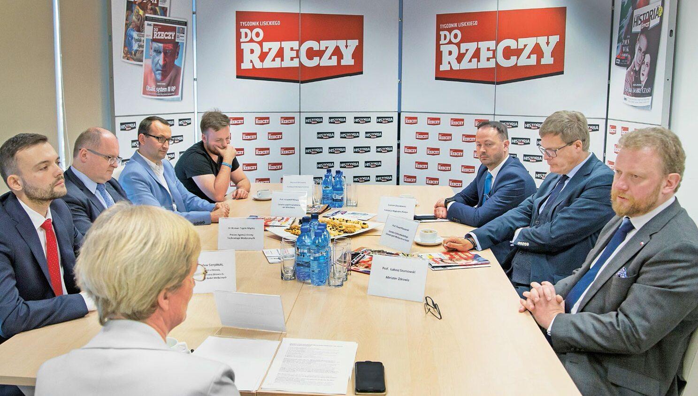 """Dlaczego w Polsce jest potrzebna Agencja Badań Medycznych? W redakcji """"Do Rzeczy"""" odbyła się debata z ekspertami na ten temat."""