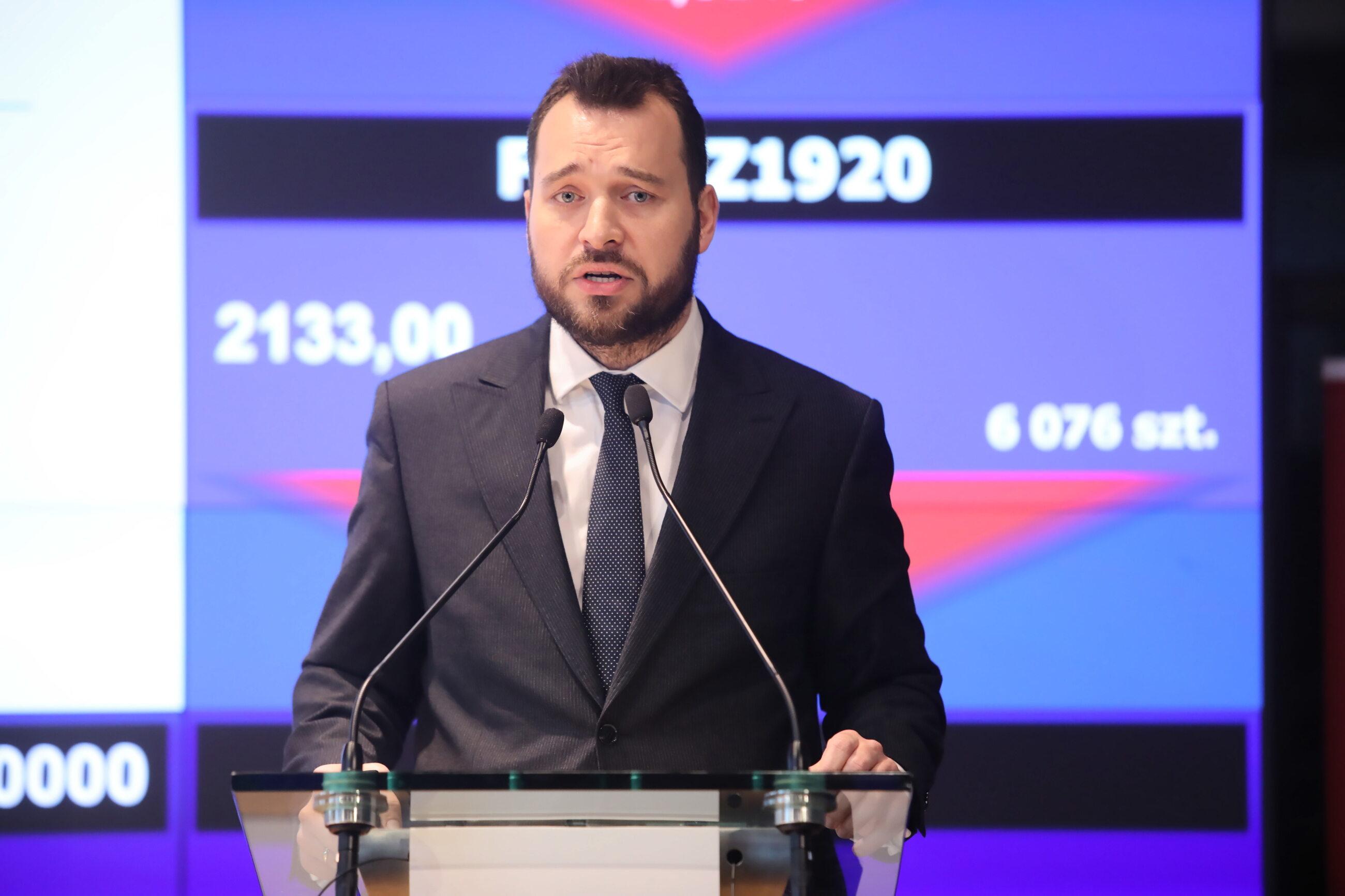 Dyrektor Polskiego Instytutu Ekonomicznego Piotr Arak