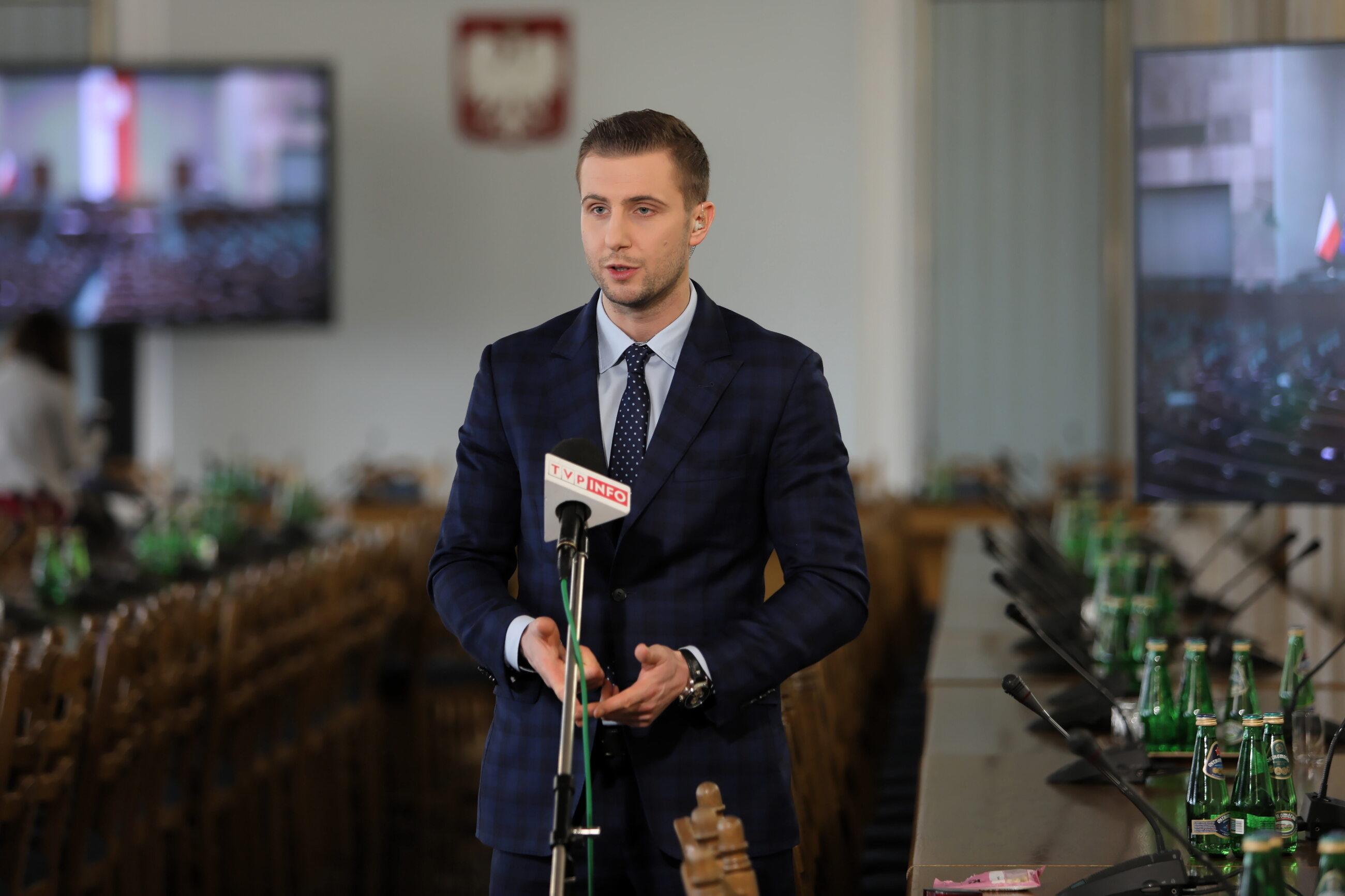 Dziennikarz TVP Miłosz Kłeczek